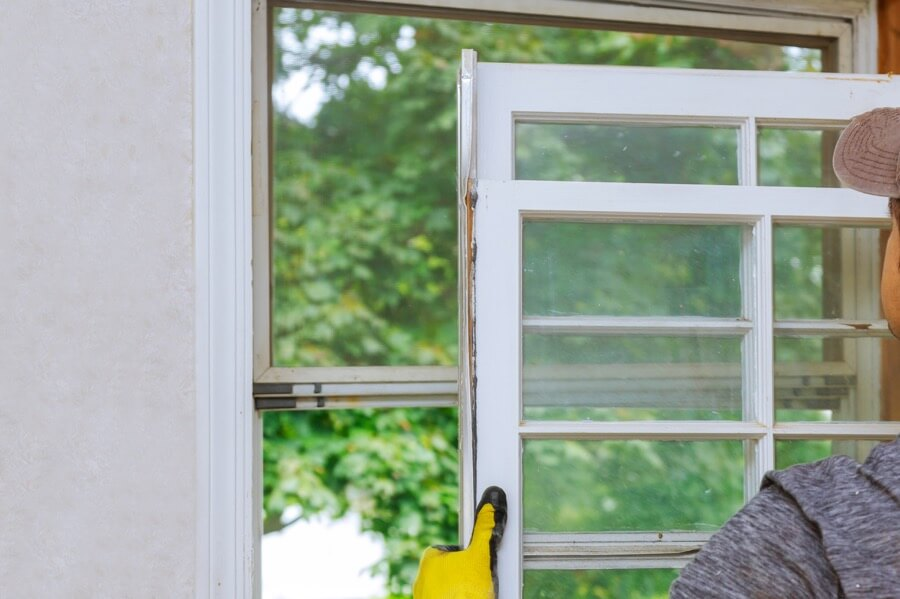 Cut Costs with Replacement Windows